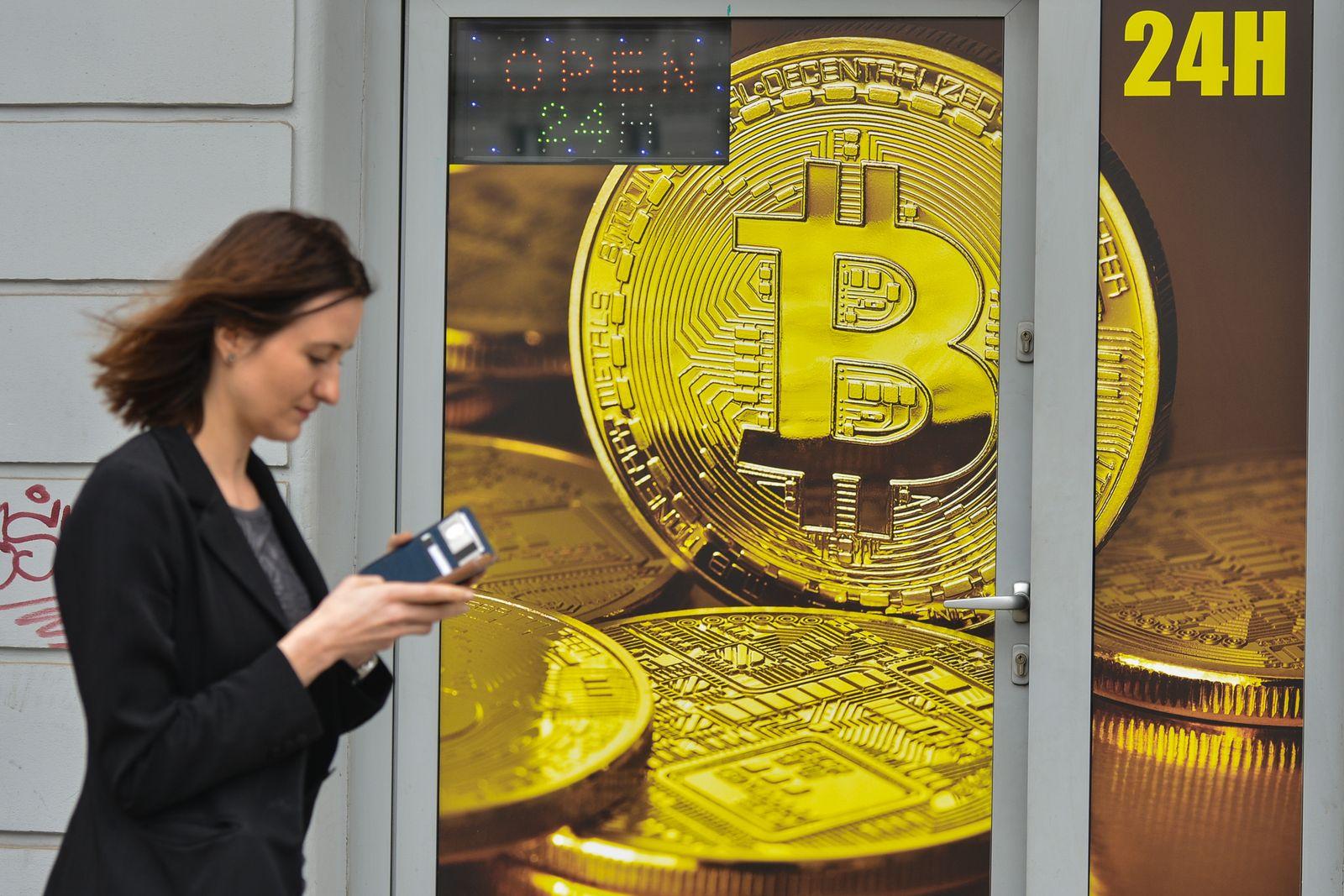EINMALIGE VERWENDUNG Bitcoin Wechselstube in Krakow, Polen