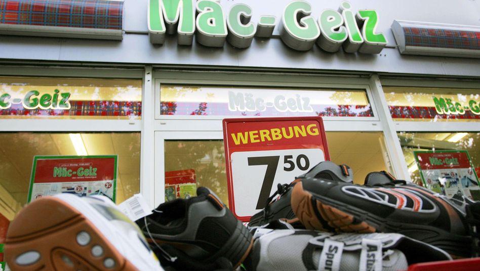 Mäc-Geiz: Bis zu 109 ehemalige Filialen der Schlecker-Sparte Ihr-Platz könnten unter neuem Label weitergeführt werden