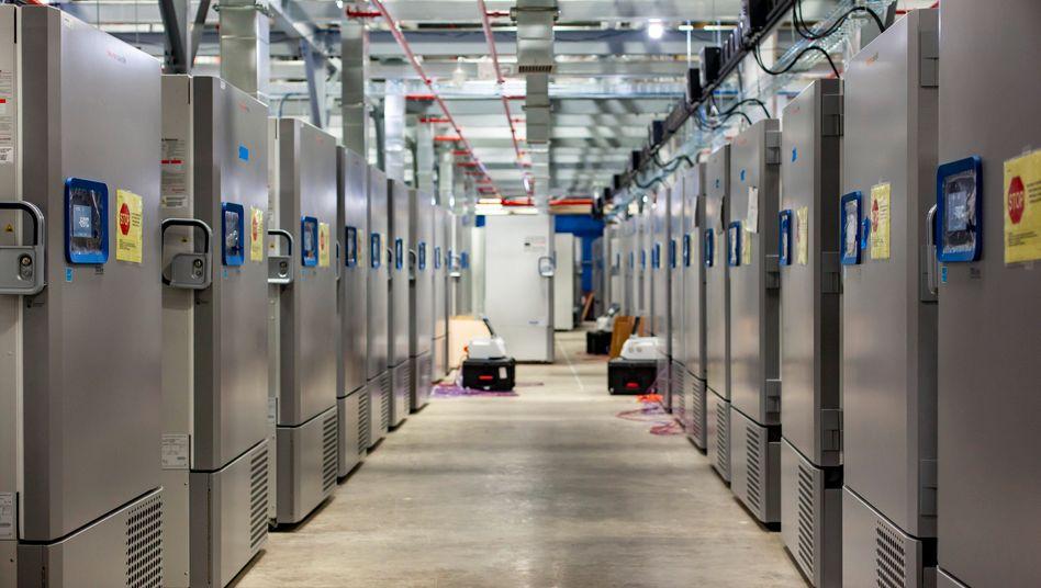 Freezer Farm: Solche Anlagen wie hier in Kalamazoo (US-Staat Michigan) baut Pfizer, um den Corona-Impfstoff bei unter -70 Grad Celsius zu lagern