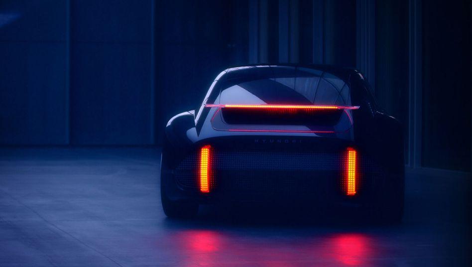 """Roboterauto in Planung: Der südkoreanische AutobauerHyundaigab im März 2020 einen Ausblick auf seine elektrifizierte Zukunft - mit der Enthüllung des elektrisch angetriebenen Konzeptfahrzeugs """"Prophecy"""""""