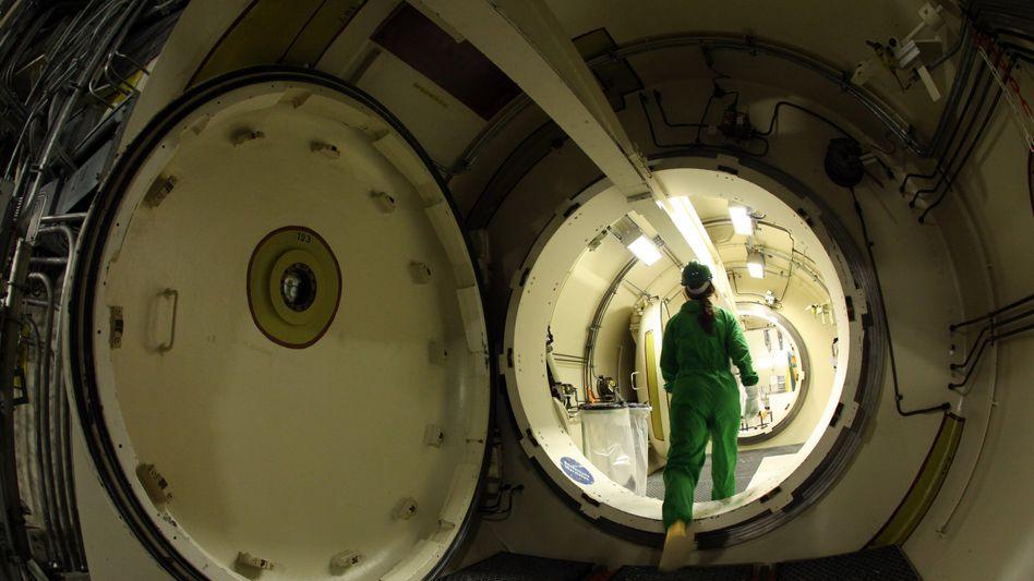 """Sicherheitsschleuse im Kernkraftwerk Krümmel bei Geesthacht: """"Die strengsten Sicherheitsmaßnahmen der Welt"""""""