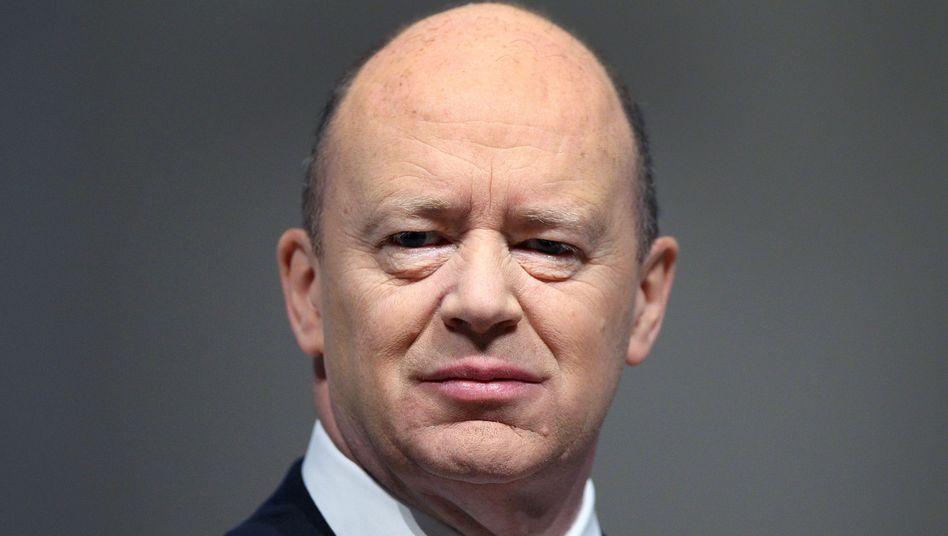 """Deutsche-Bank-Chef John Cryan trotzig: """"Auf keinen Fall"""" werde man """"annähernd die genannte Zahl"""" überweisen"""