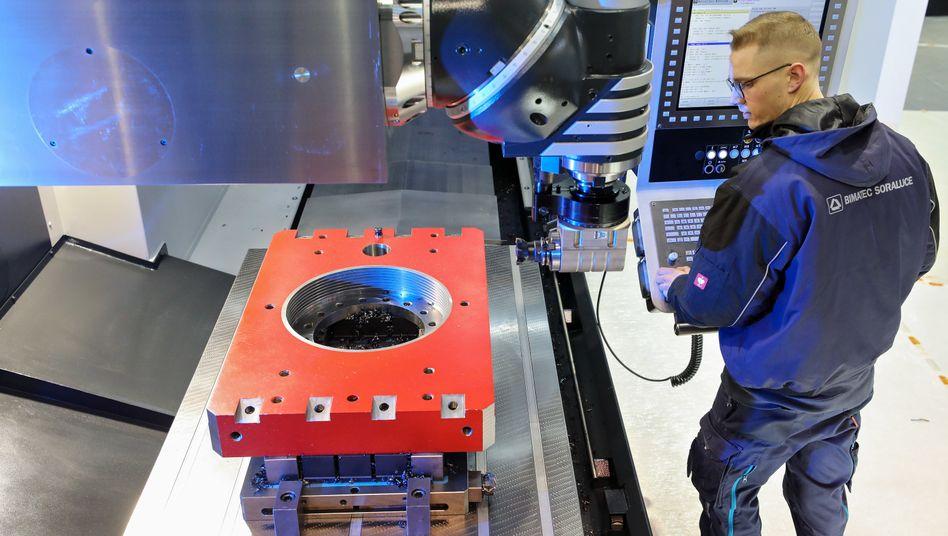 Werkzeugbauer: Die Branche macht sich Sorgen wegen zurückhaltender Investitionen und fehlender Fachkräfte