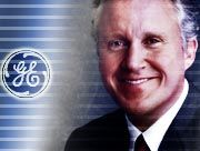 Vorstandschef Jeffrey Immelt überrascht die Märkte mit einer Gewinnwarnung für das Jahr 2002.