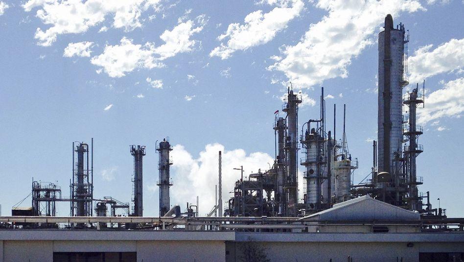 DuPont-Chemiewerk in Texas: Aus Dow Chemical und DuPont wird DowDuPont mit einem Marktwert von 130 Milliarden Dollar. Die Fusion wird als reines Aktiengeschäft durchgezogen