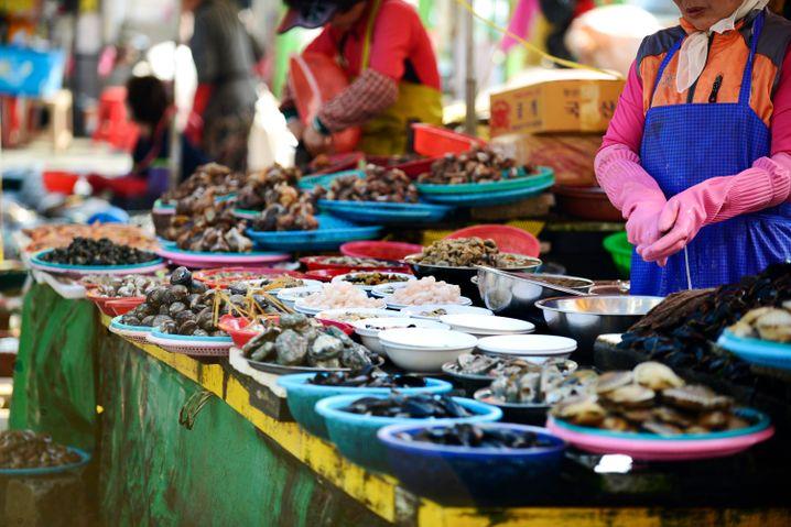 Meeresfrüchte in großen Mengen: Der Jagalchi Market in Busan gilt als zweitgrößter Fischmarkt Asiens.