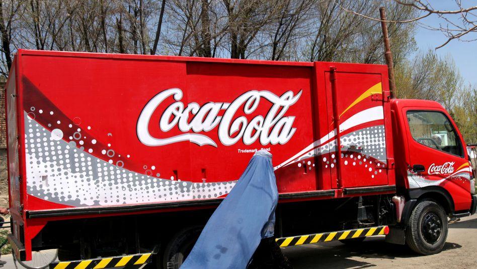 Coca-Cola-Wagen in Afghanistan: Der Getränkeriese macht weltweit wieder mehr Umsatz