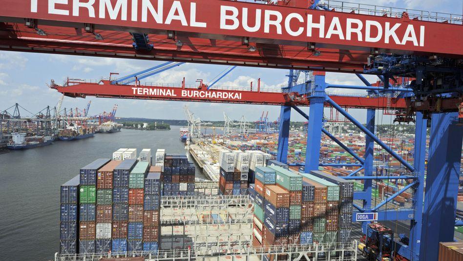 Containerhafen Hamburg: Das meistgenutzte Transportmittel für ferne Ausfuhren sind immer noch Schiffscontainer