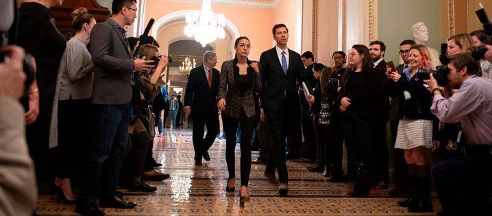 Auf dem Weg zur Abstimmung: Abgeordnete Alexandria Ocasio-Cortez, als Beobachterin im US-Senat
