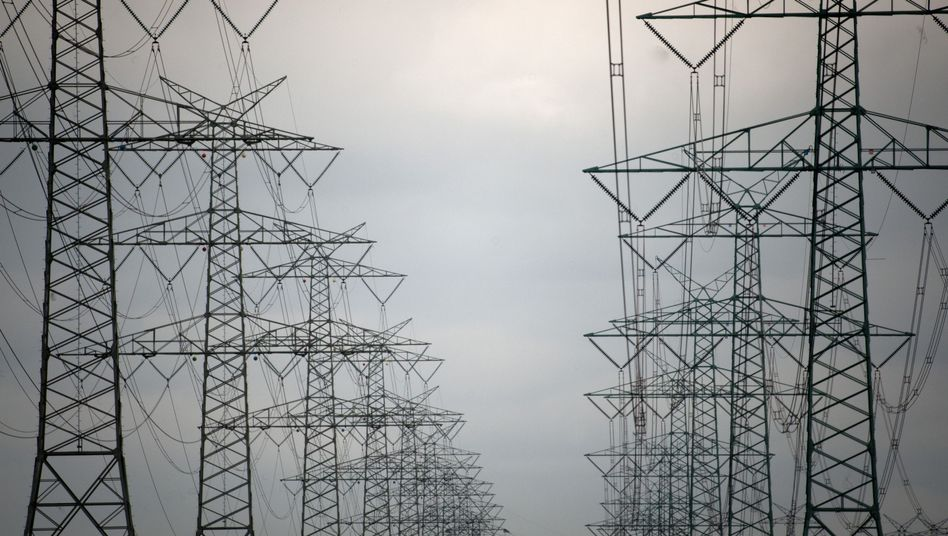 Hochspannungsleitungen: Drei neue Trassen sollen Windstrom in den Süden der Republik transportieren