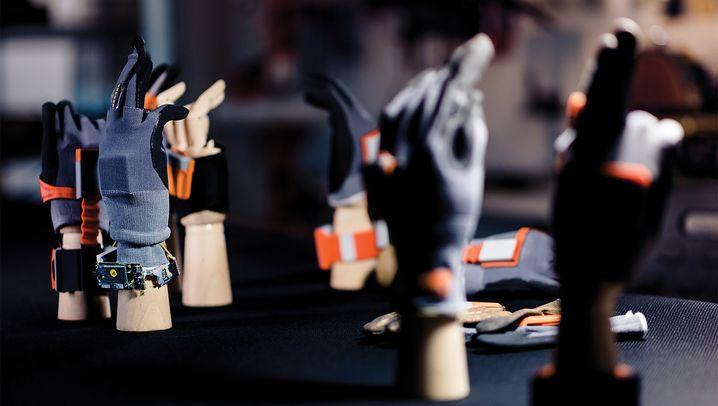 Industrie 4.0: Warum BMW und Ikea auf diesen Handschuh setzen