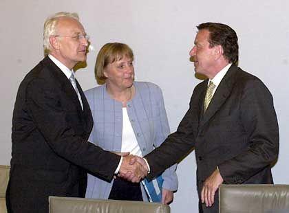 Kanzler Schröder, Merkel, Stoiber: Reformgespräch unter neuen Bedingungen