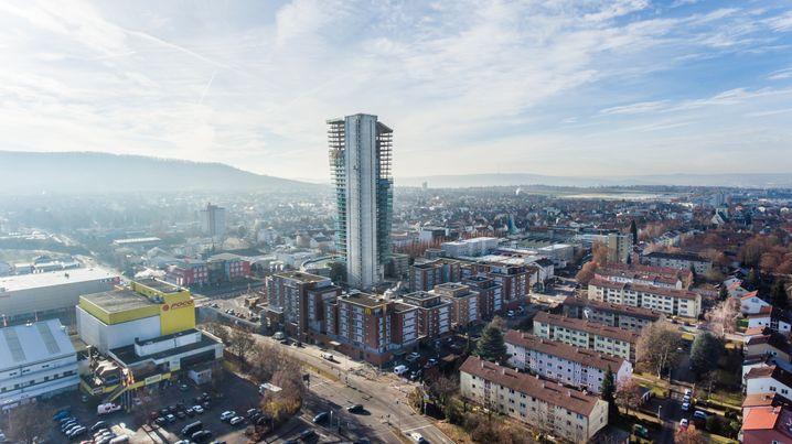 Platte fürs Portfolio: Der Gewa-Tower in der Nähe von Stuttgart wurde für Anleger zum Millionengrab.