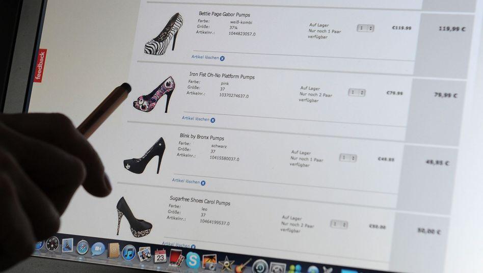Onlineshopping: Bestellen, ausprobieren und kostenfrei zurückschicken - das könnte auch in Deutschland künftig schwieriger werden