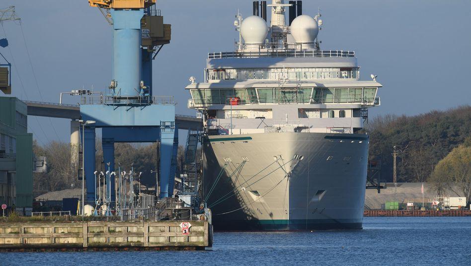Kapazitäten nicht ausgelastet: Den MV Werften (hier der Standort Stralsund) stehen Einschnitte bevor
