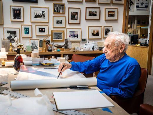 Edelfeder:MeisterFrank Gehrybei der Arbeit in L. A.