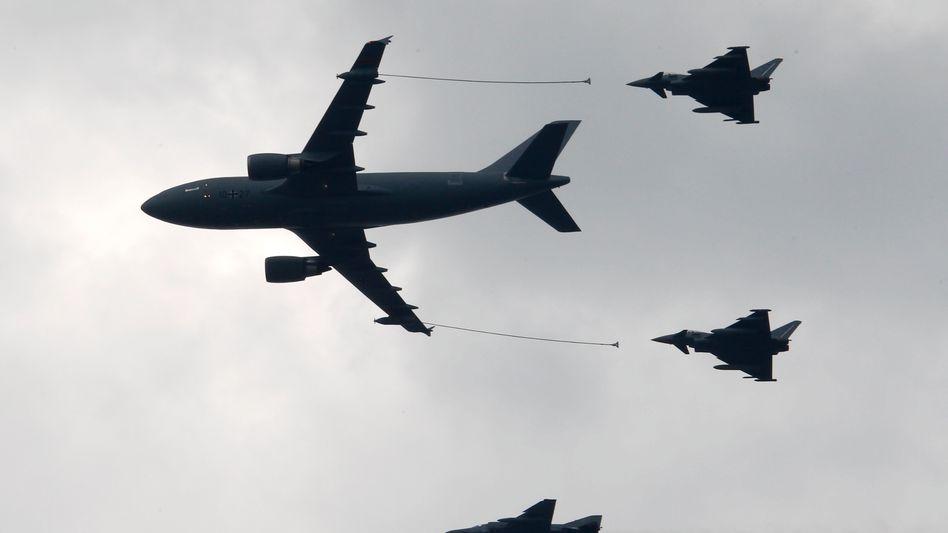 Airbus-Tankflugzeug betankt Eurofighter: Airbus arbeitet an neuen Kampfjets