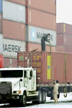 Containerverladung in Port Newark: Rekordwerte bei Exporten und Importen