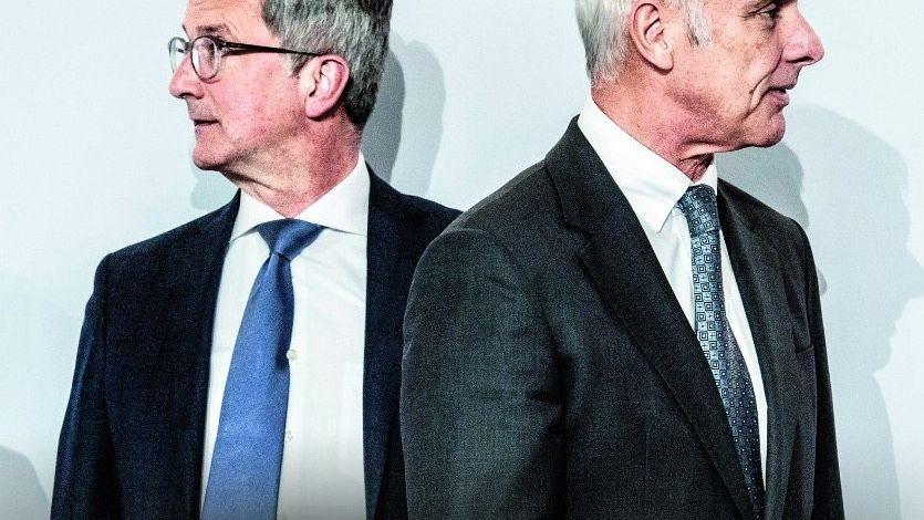 AUSEINANDER Audi-Mann Rupert Stadler (l.) und Konzernboss Matthias Müller