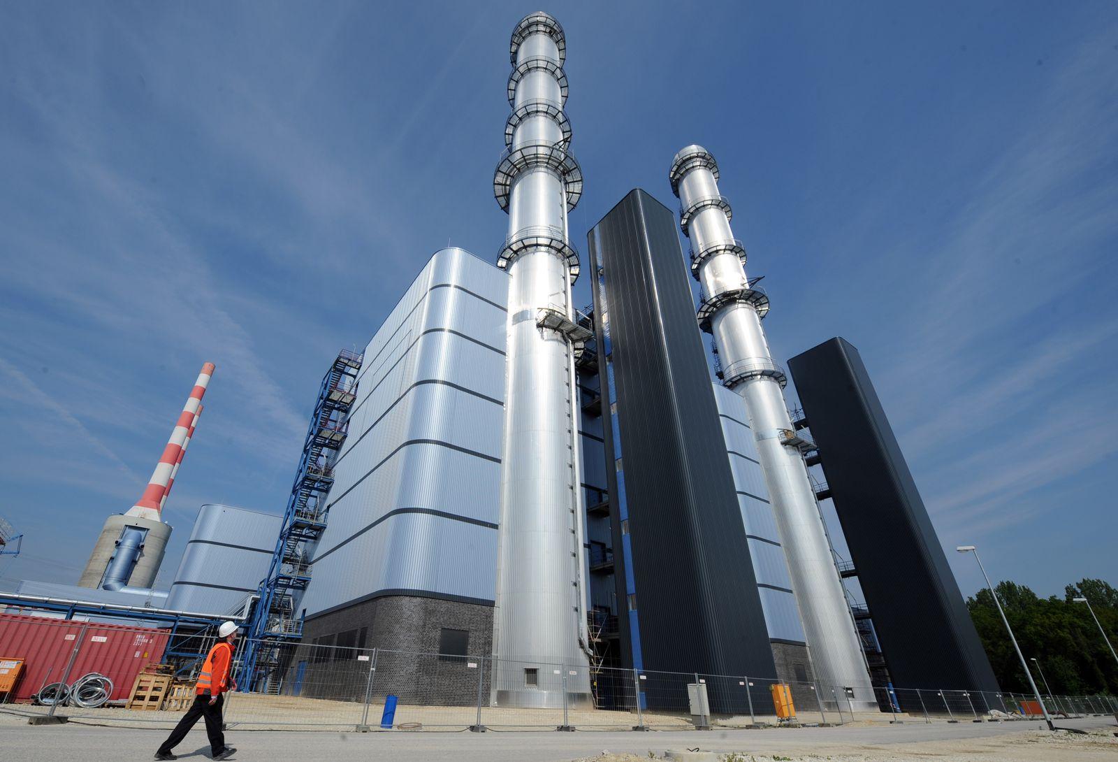 Gaskraftwerk / Dampfkraftwerk