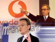 Keine weiteren Gespräche:Vorstandschefs Gent und Esser 1999 auf einer Pressekonferenz in Düsseldorf