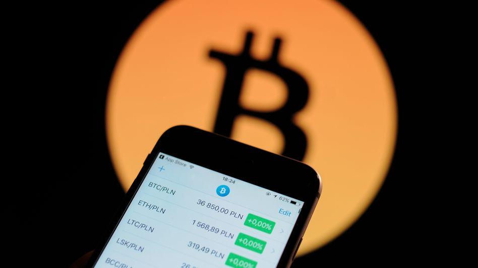 Bitcoin-Blase: Der Kurs der Kryptowährung stieg am Donnerstag zeitweise über die Marke von 16.000 Dollar. Mancherorts sogar auf 20.000 US-Dollar. Dann nahmen die Zocker das Geld wieder vom Tisch