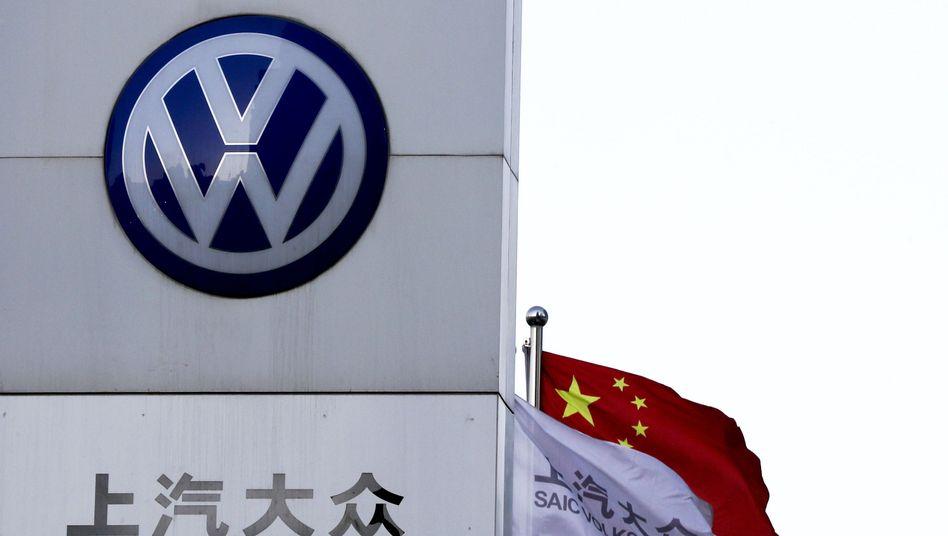 Auch im wichtigsten Einzelmarkt China fiel der Volkswagen-Absatz im August um gut 3 Prozent zurück. In den USA dagegen konnte der Konzern mehr Autos verkaufen.