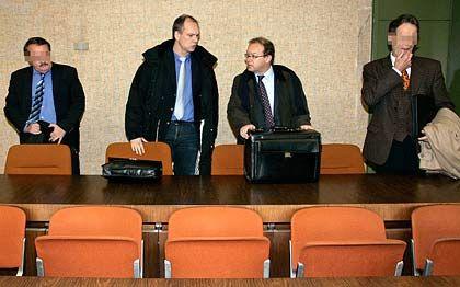 Geständig: Die beiden Angeklagten im zweiten Prozess um milliardenschwere Schmiergeldzahlungen bei Siemens