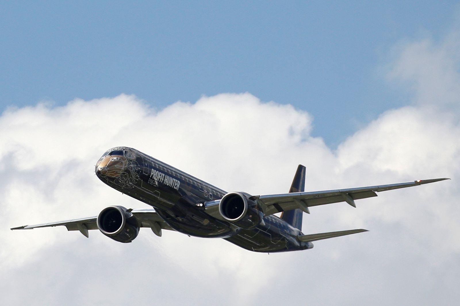 Embraer E195-2