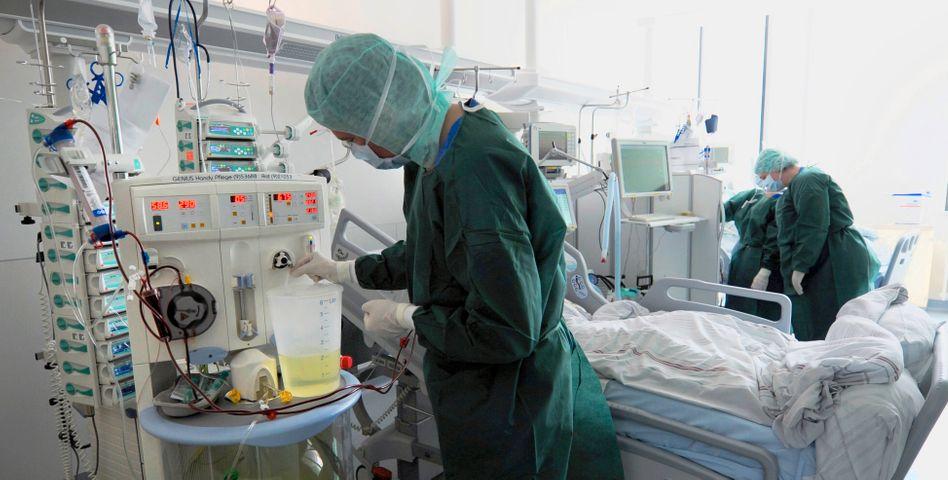 Intensivstation des Krankenhauses Hamburg-Eppendorf (UKE): Zahl der Ehec-Opfer steigt deutlich
