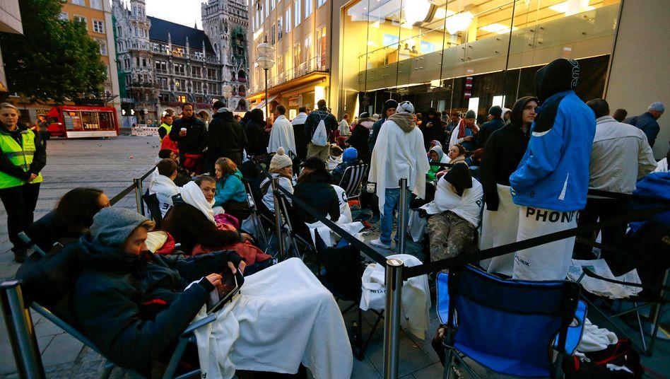 Ansturm auf das iPhone 5 in München: Mitarbeiter der Apple-Filialen beschweren sich über ihre Arbeitsbedingungen