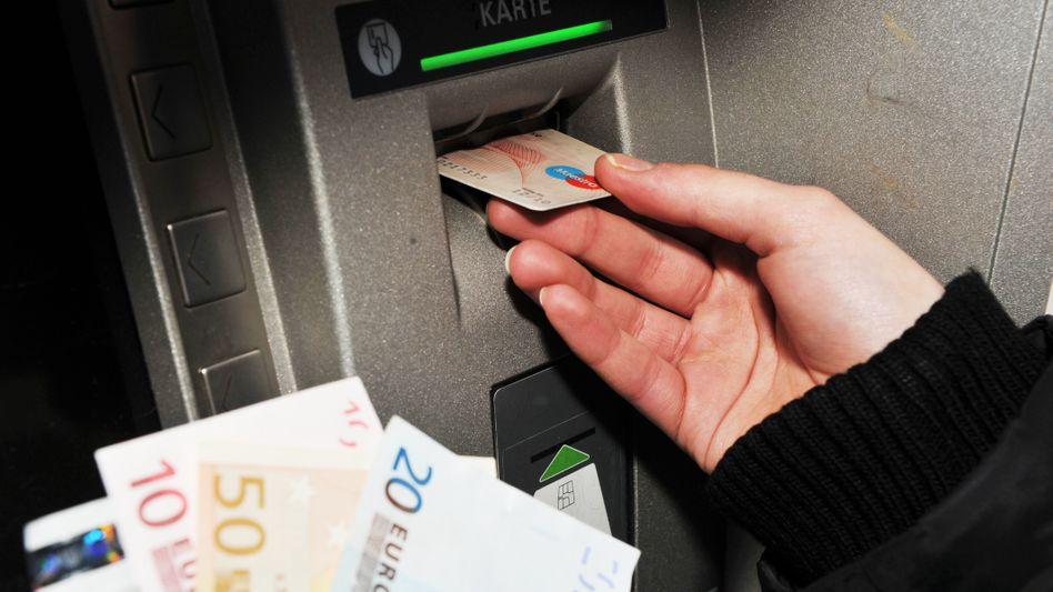 Bankkundin: Die finanzielle Repression sorgt für viel Frust