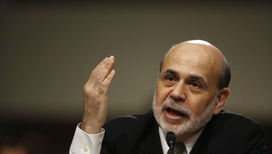 Fed-Chef Ben Bernanke: Die Zinsen bleiben niedrig, die langfristigen Zinsen werden gedrückt - doch weitere Staatsanleihenkäufe gibt es zunächst nicht