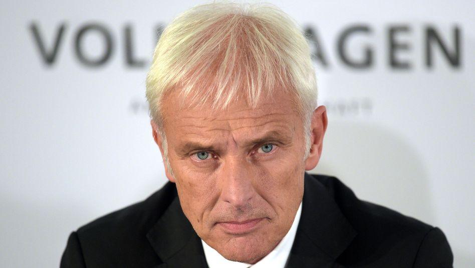 """VW-Chef Matthias Müller: """"Wir wären Ihnen sehr dankbar, wenn auch Sie bereit wären, sicherzustellen, dass die zuständigen Steuerbehörden nicht unsere Kunden, sondern Volkswagen direkt mit etwaigen Mehrsteuern belasten."""""""