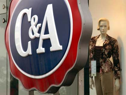 Von China abschotten? Die Kleiderstangen von C&A sowie von anderen Anbietern wären dann größtenteils leer