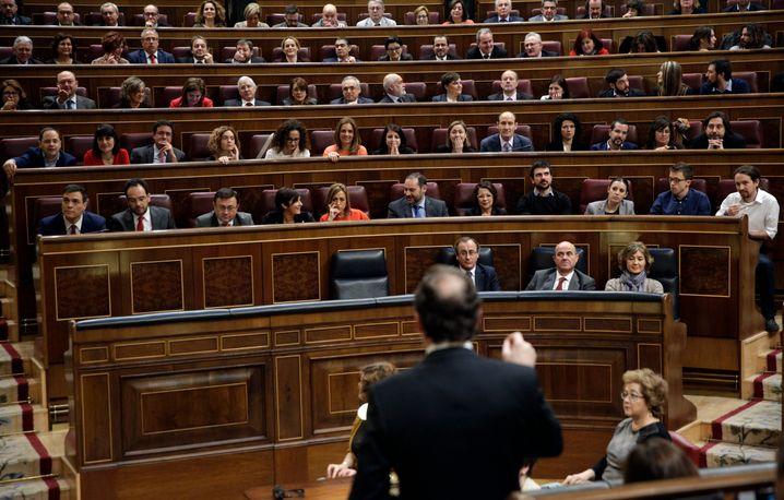 Ein Abgeordneter des spanischen Parlaments ist an dem Coronavirus erkrankt, jetzt stellt das Parlament mindestens für eine Woche seinen Betrieb ein