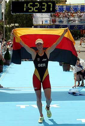 Triathletin Anja Dittmer: Im Weltcup in Ungarn durfte sie 2004 schon einen Sieg feiern. Ähnlich erfolgreich will die 28-jährige Sportsoldatin die deutschen Farben in Athen vertreten