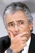 Telekom-Chef Ron Sommer will das TV-Kabel los werden