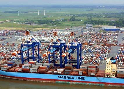 Lukrative Blechbüchsen: Containerterminal in Bremerhaven