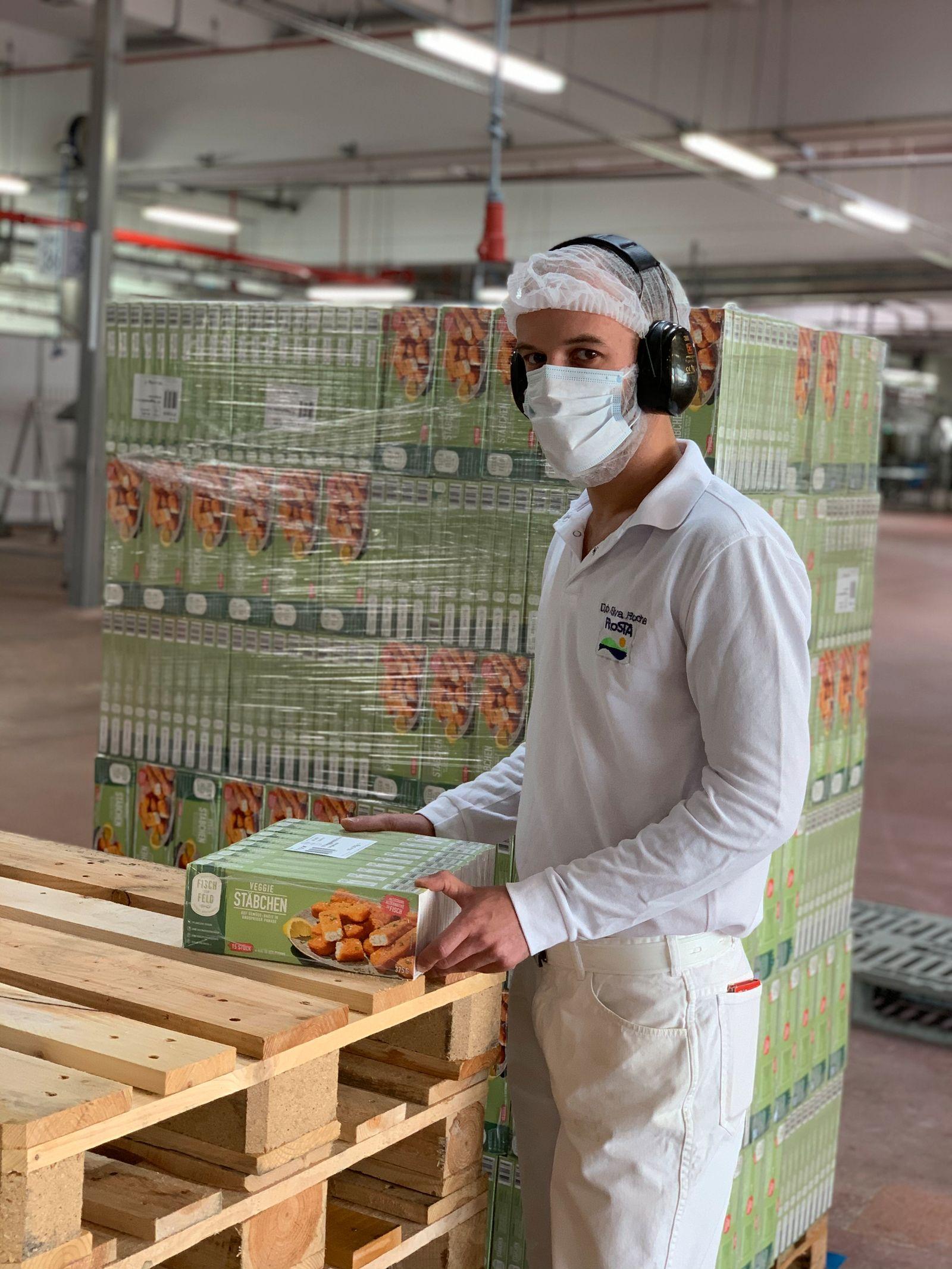 Frosta Veggi Stäbchen Produktion in Bremerhaven Guido Albers (Koch und Produktentwickler)