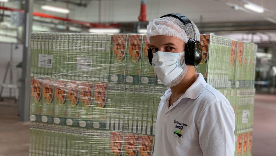 Startklar: Für Frosta in Bremerhaven hat Koch und Produktentwickler Guido Albers das Veggie-Fischstäbchen entwickelt