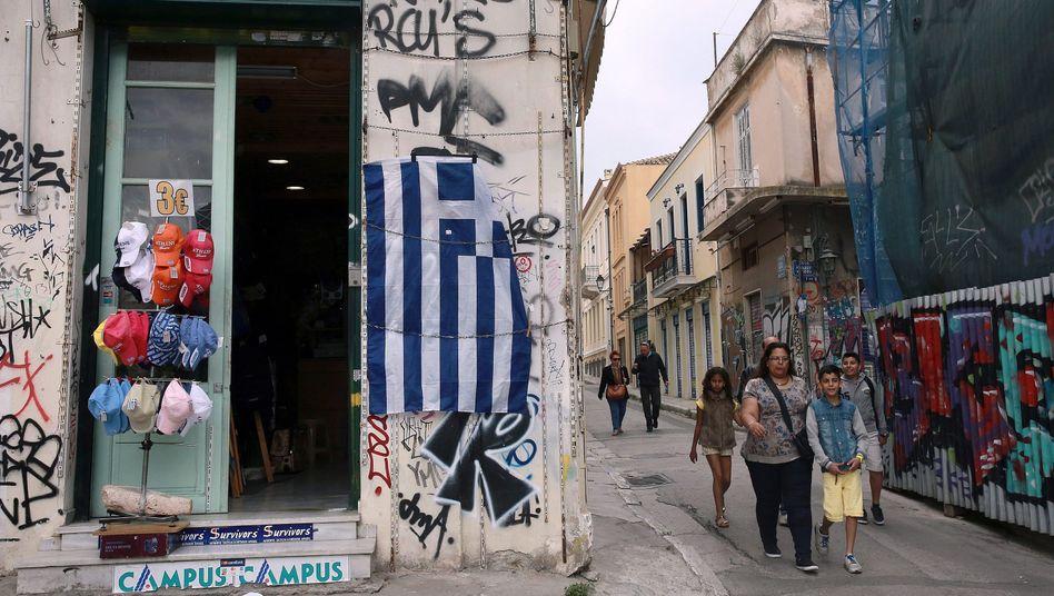 Altstadt in Athen: Gespart wird weiter, doch die Rufe nach einem Schuldenschnitt werden lauter