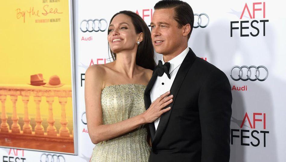 Hier noch ein Paar: Jolie und Pitt im November 2015