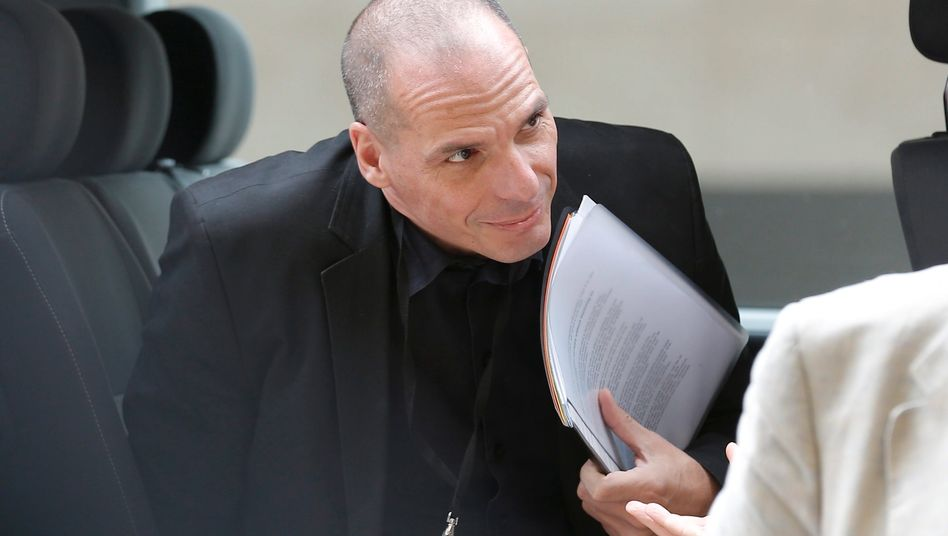 """Griechenlands Finanzminister Varoufakis auf der Euro-Gruppen-Sitzung in Luxemburg: """"Wie wäre es mit einer automatischen harten Defizitbremse?"""""""