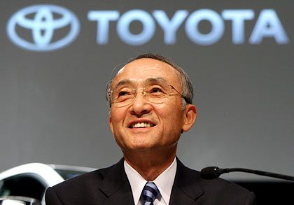 Freude an den Zahlen: Toyotas Präsident Katsuaki Watanabe