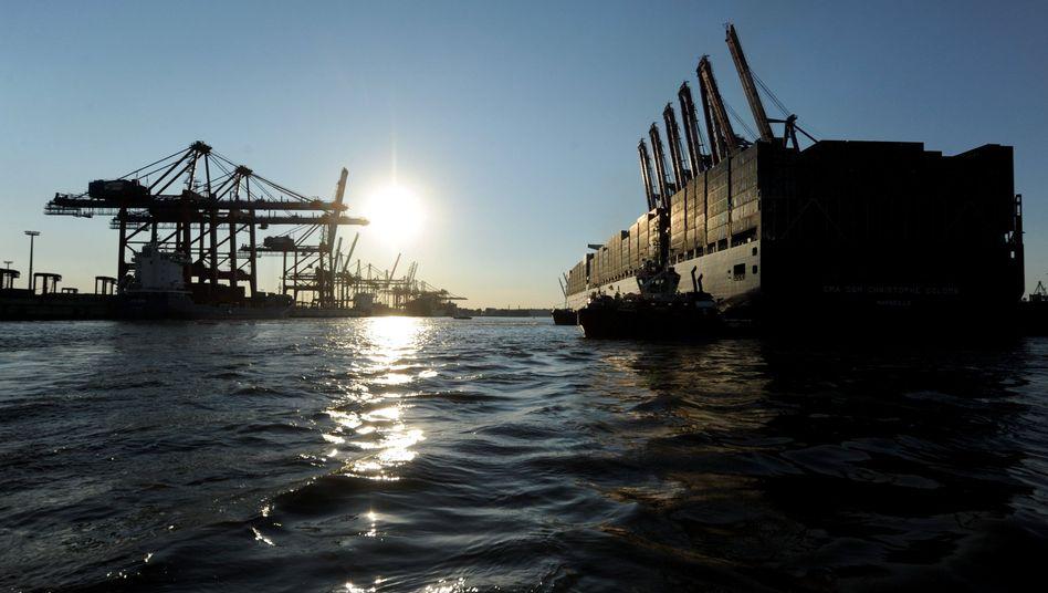 Containerschiff im Hamburger Hafen: Zwei Drittel mehr Umschlag mit Nordamerika