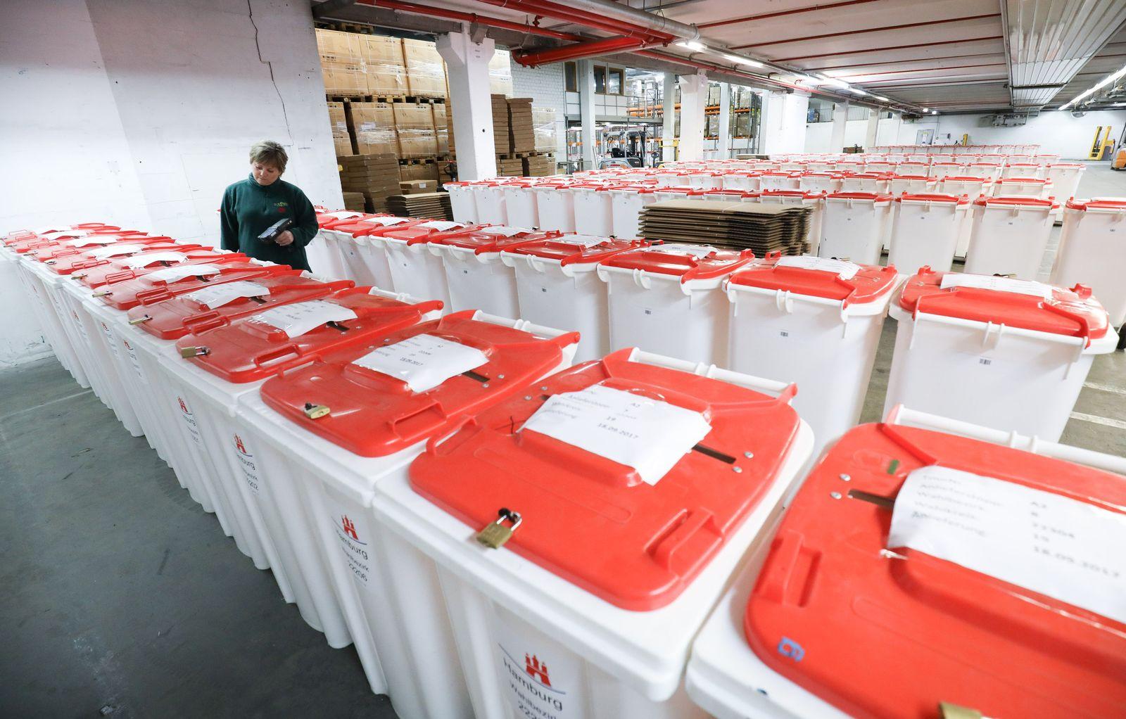 Wahlurnen Bundestagswahl 2017