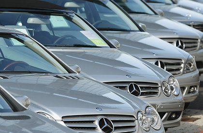 Daimler vor Produktionskürzungen: Mercedes-Autos nicht zu sehr auf Halde produzieren