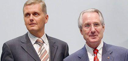 Besuch vom Staatsanwalt: Die ehemaligen Telekom-Topmanager Kai-Uwe Ricke (l) sowie Klaus Zumwinkel (r)
