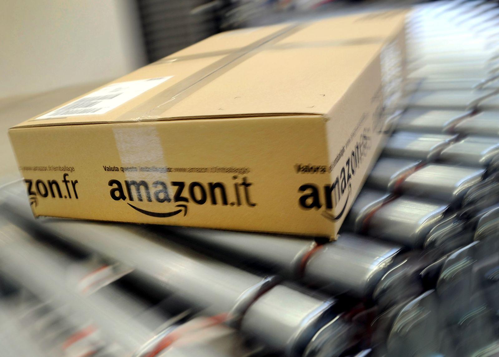 Amazon/ Paket/ Logistikzentrum